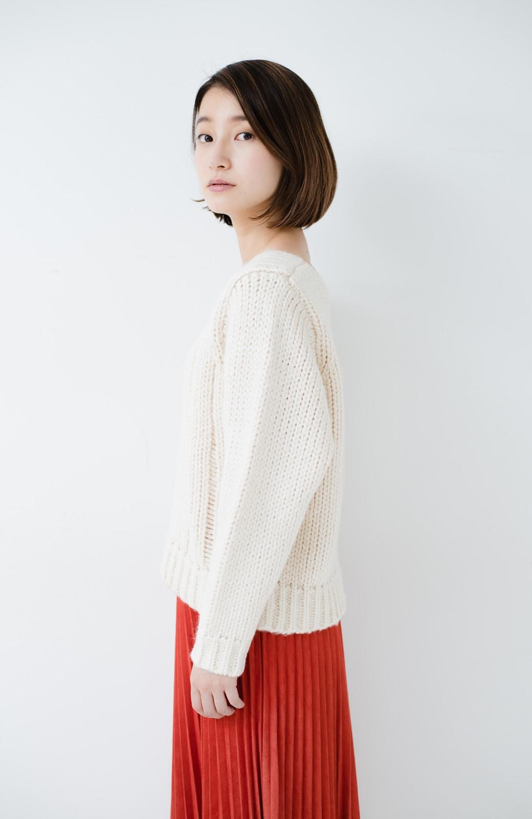 haco! さりげなく女っぽい 手編み風ざっくりニット <アイボリー>の商品写真16