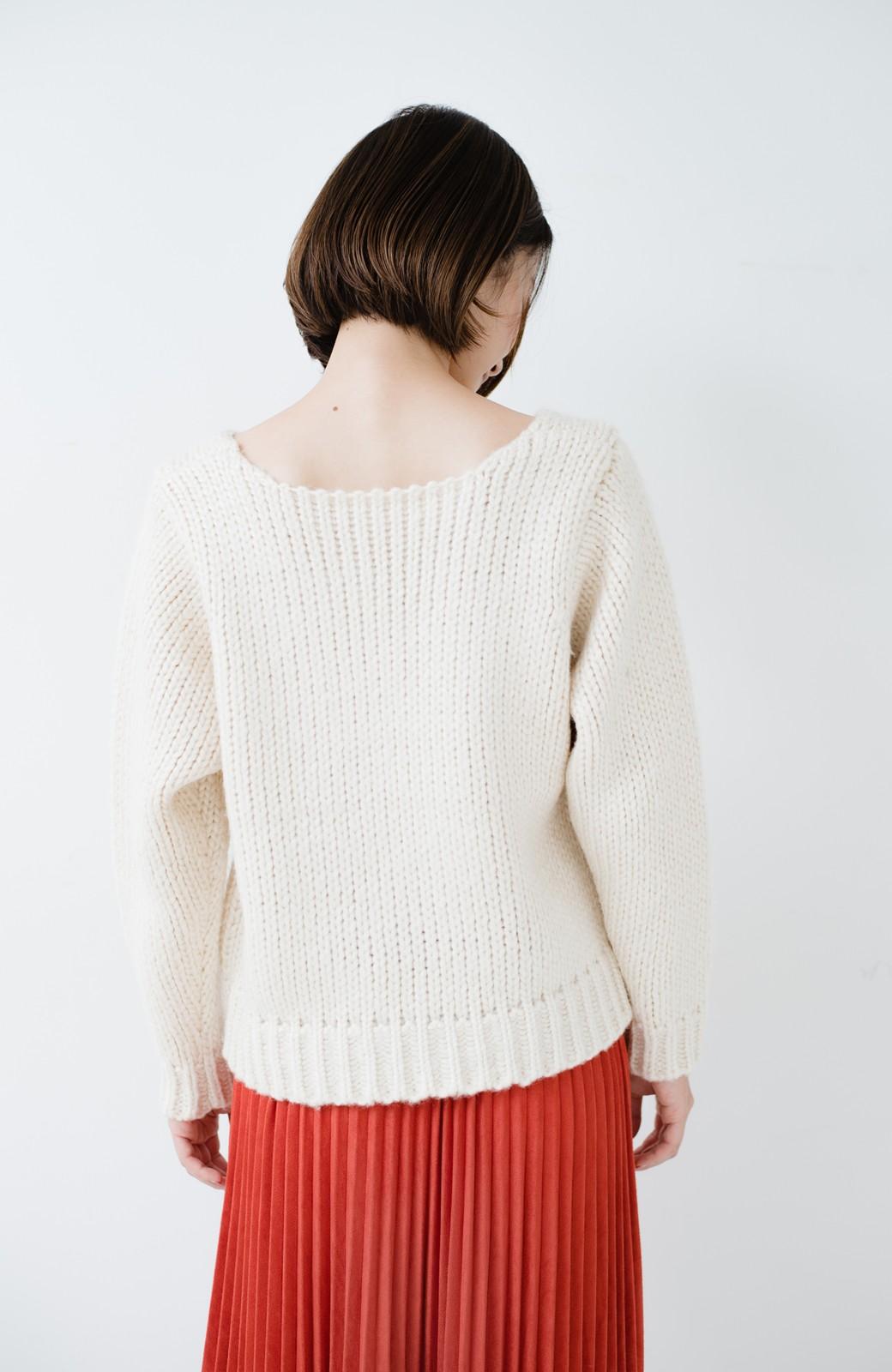 haco! さりげなく女っぽい 手編み風ざっくりニット <アイボリー>の商品写真17