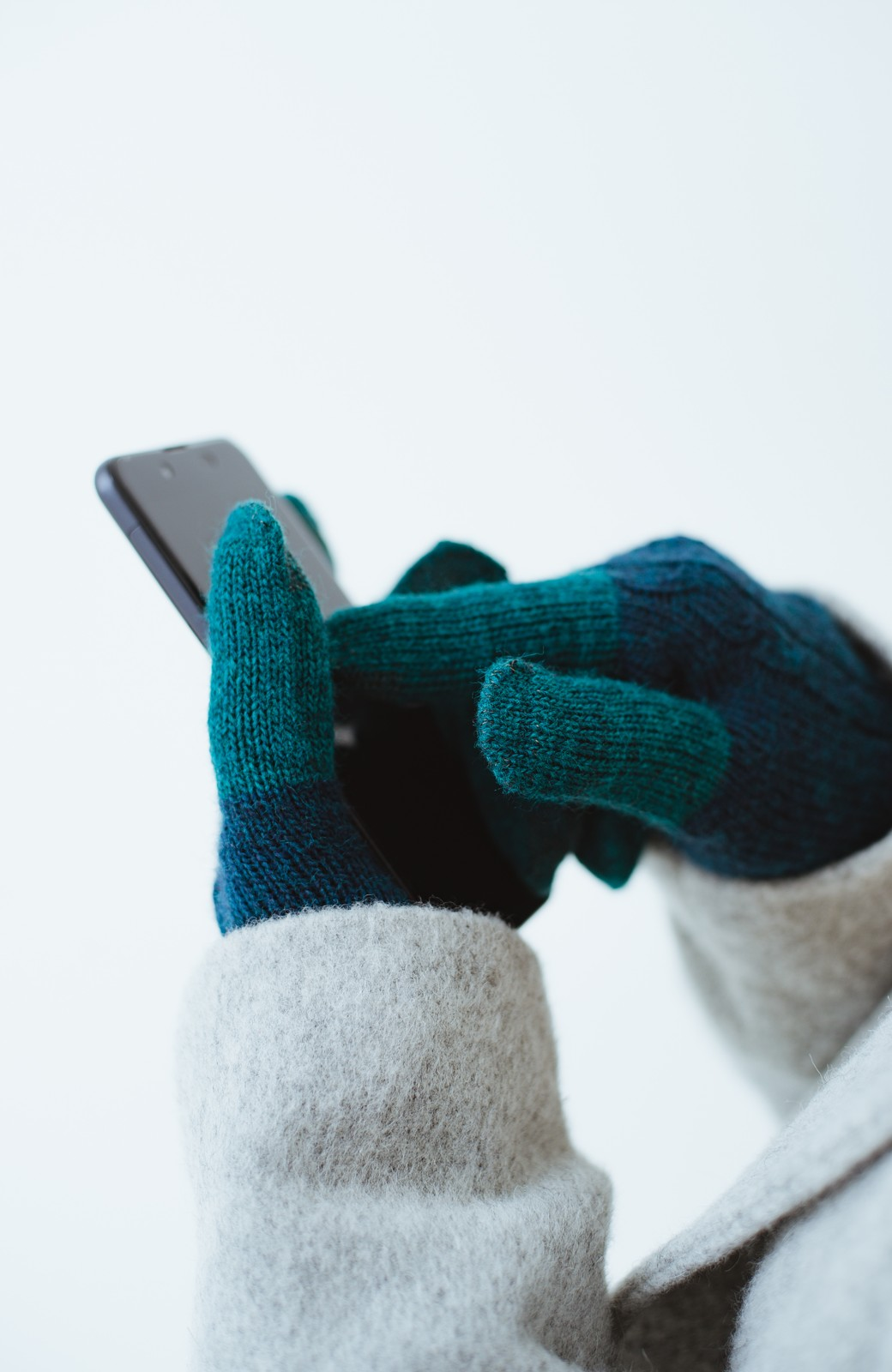 haco! タッチパネル対応手袋 イタリアンウールグローブ <ブルー系その他>の商品写真5