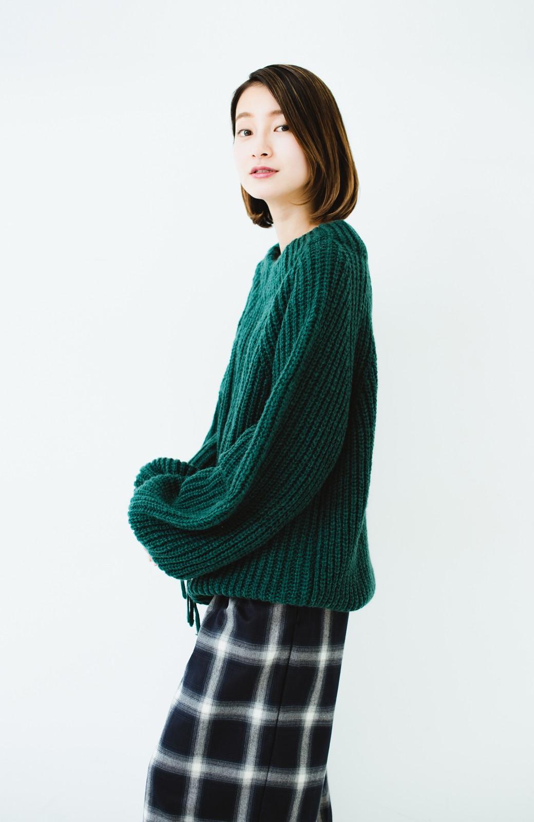 haco! ボリューム感が華奢見せさせる 袖リボンあぜ編みニット <グリーン>の商品写真7