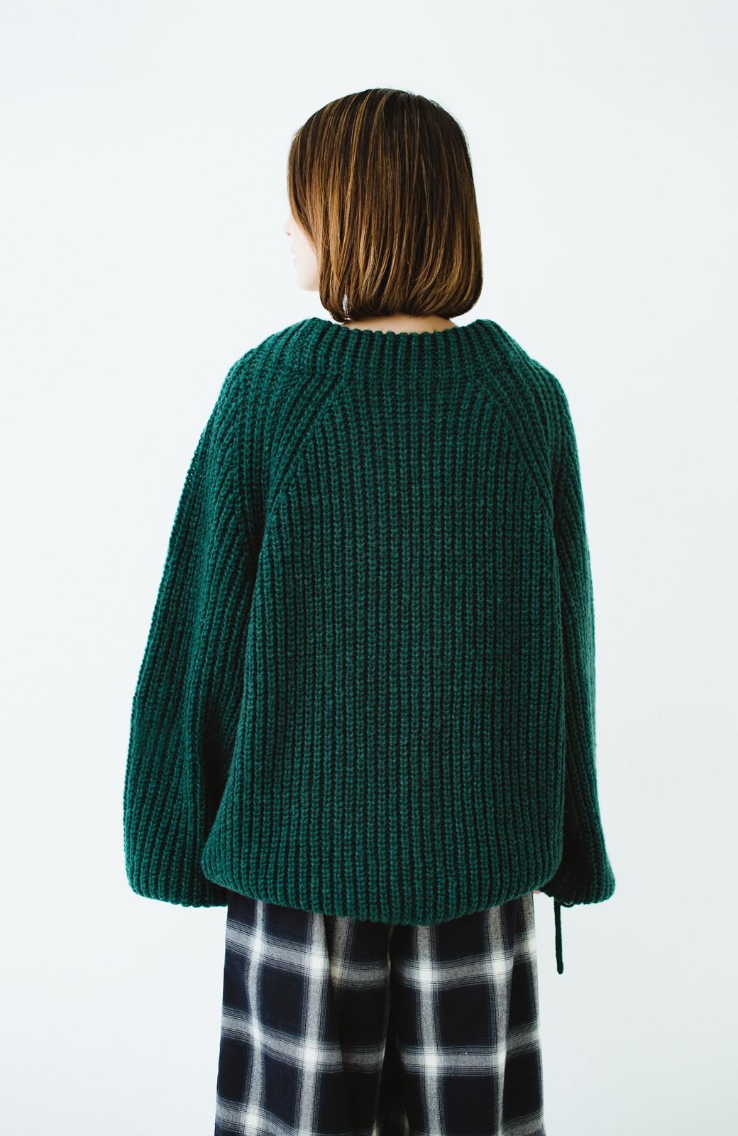 haco! ボリューム感が華奢見せさせる 袖リボンあぜ編みニット <グリーン>の商品写真8