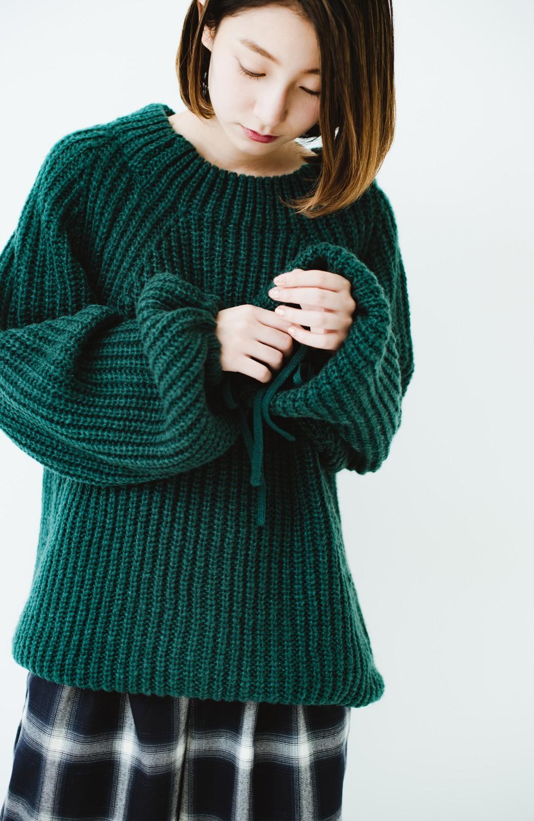 haco! ボリューム感が華奢見せさせる 袖リボンあぜ編みニット <グリーン>の商品写真10