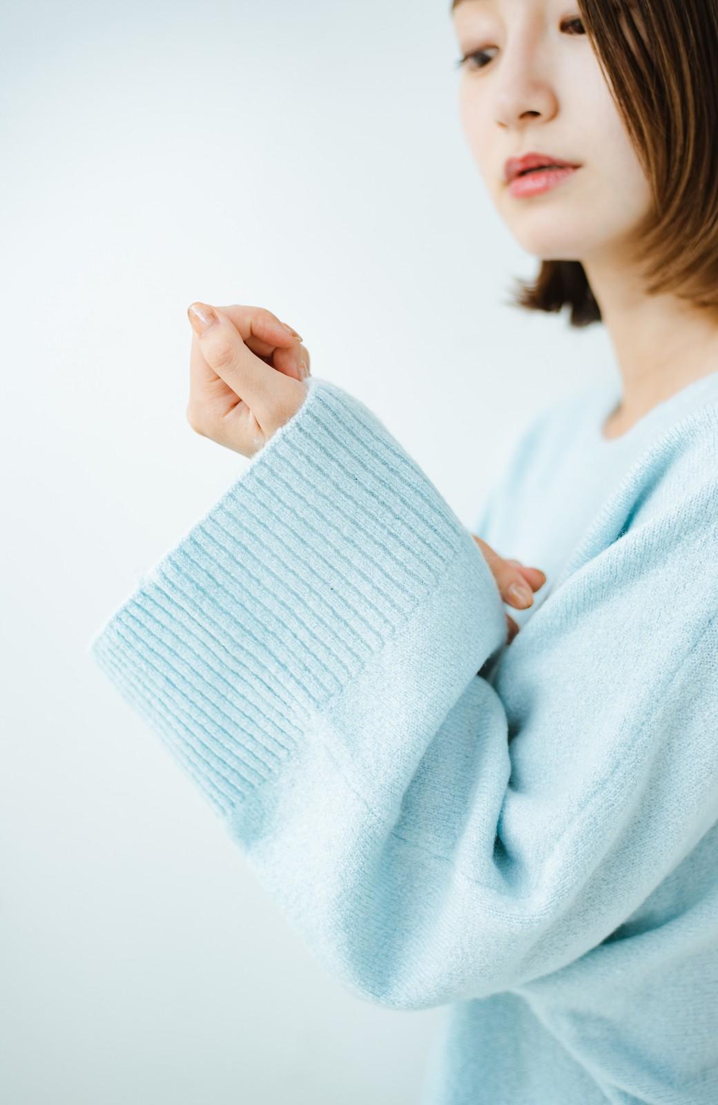 haco! 太め袖がかわいい横編みプルオーバーニット <ライトブルー>の商品写真5