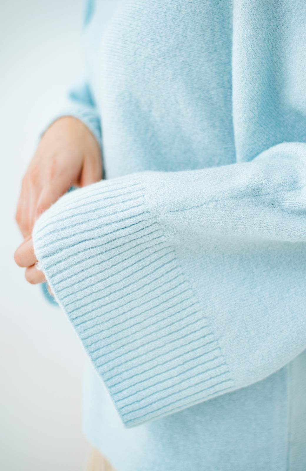 haco! 太め袖がかわいい横編みプルオーバーニット <ライトブルー>の商品写真6
