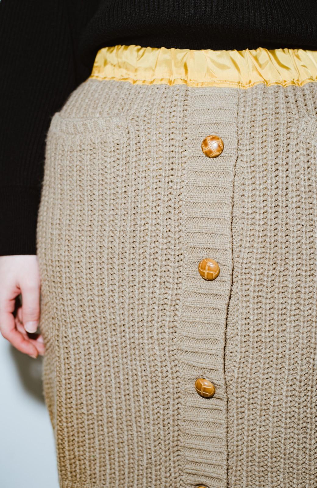 haco! co&tion POTTOニットスカート【アーティスト作品1点もの】 <ライトブラウン>の商品写真4