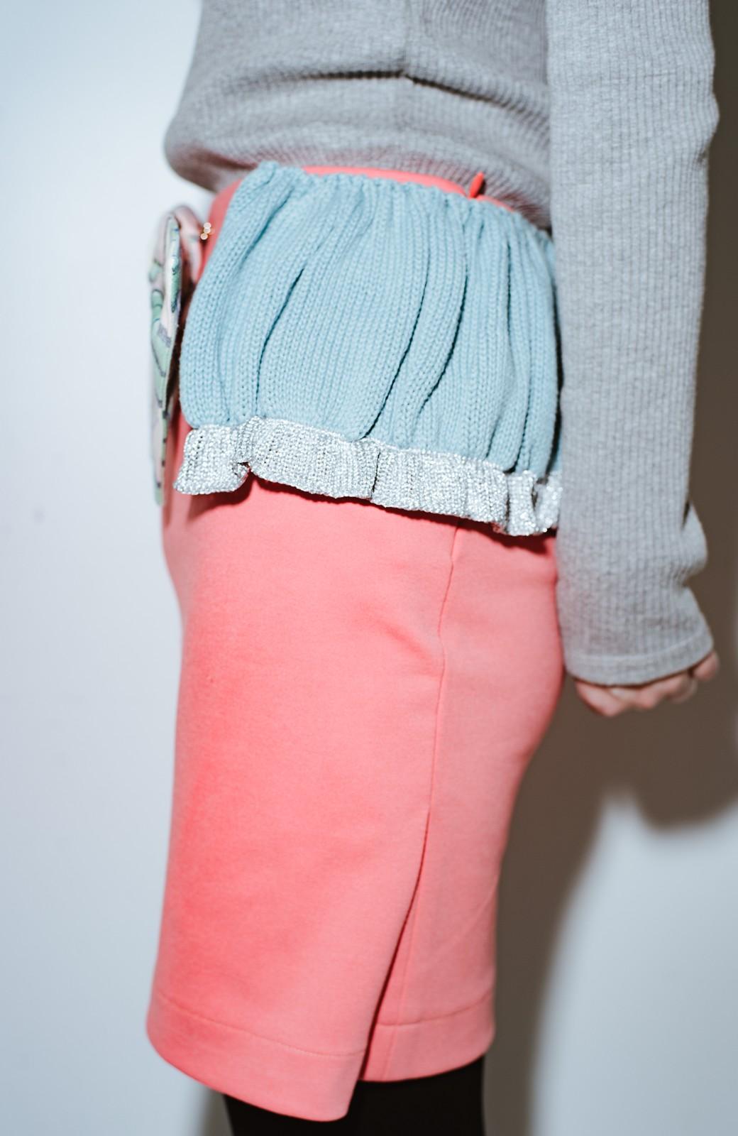 haco! co&tion accoニットフリルのスカート【アーティスト作品1点もの】 <サーモンピンク>の商品写真6