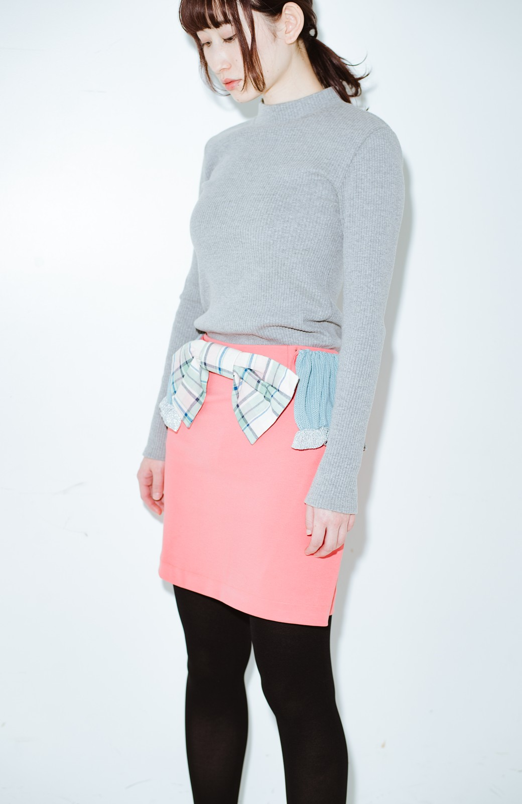 haco! co&tion accoニットフリルのスカート【アーティスト作品1点もの】 <サーモンピンク>の商品写真1