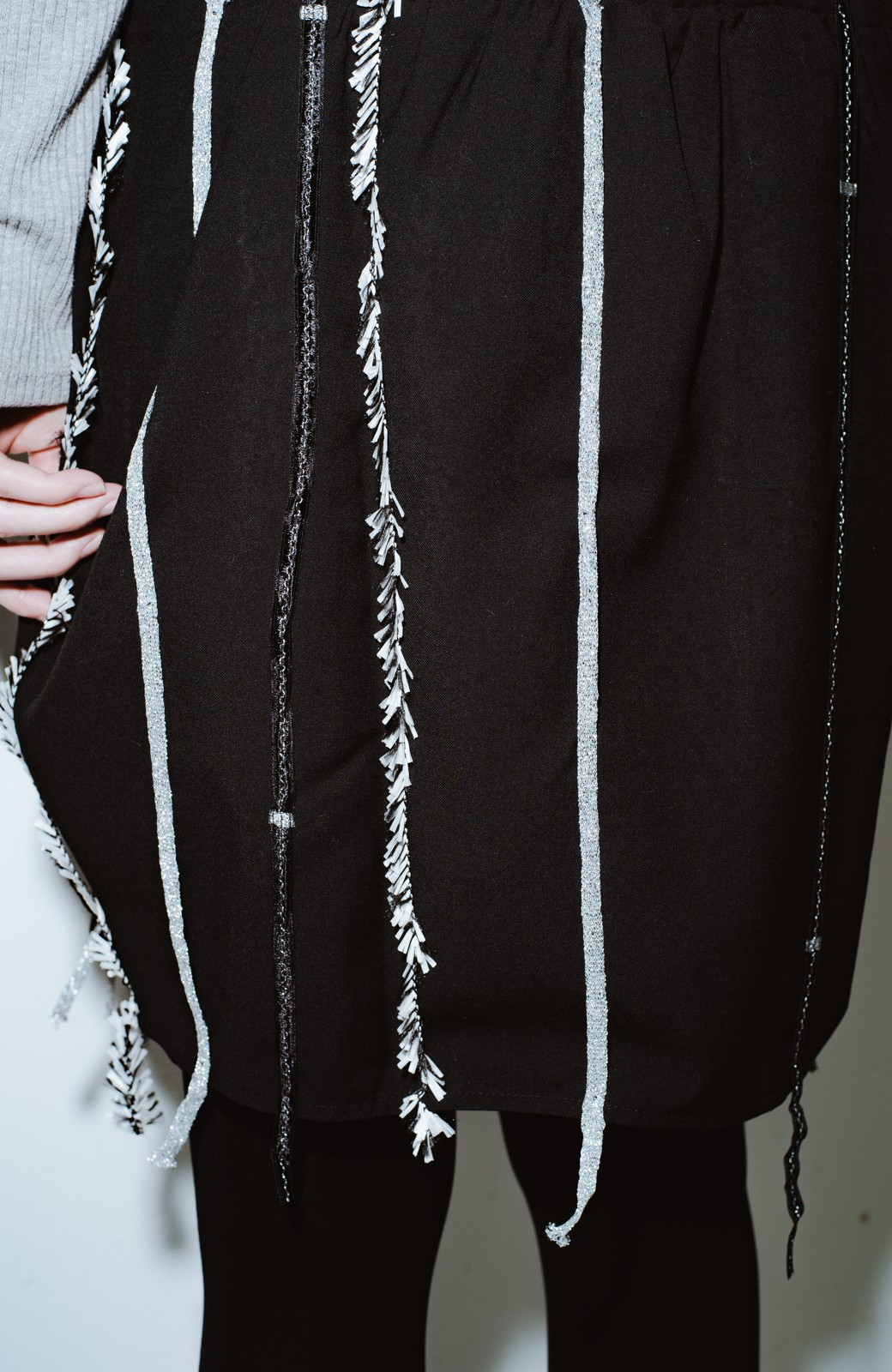 haco! co&tion 田中佑佳Zebra(09 milling crowd)黒ワンピ【アーティスト監修10点もの】 <ブラック>の商品写真4