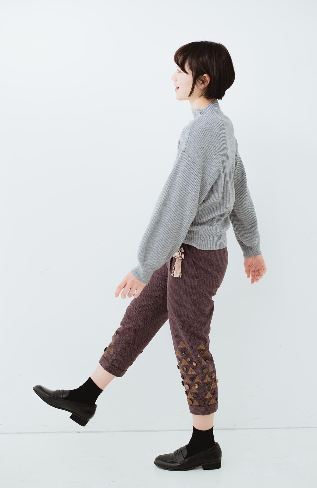 haco! co&tion 田中佑佳 ブローチ付きブラウンパンツ【アーティスト作品1点もの】 <ブラウン>の商品写真9