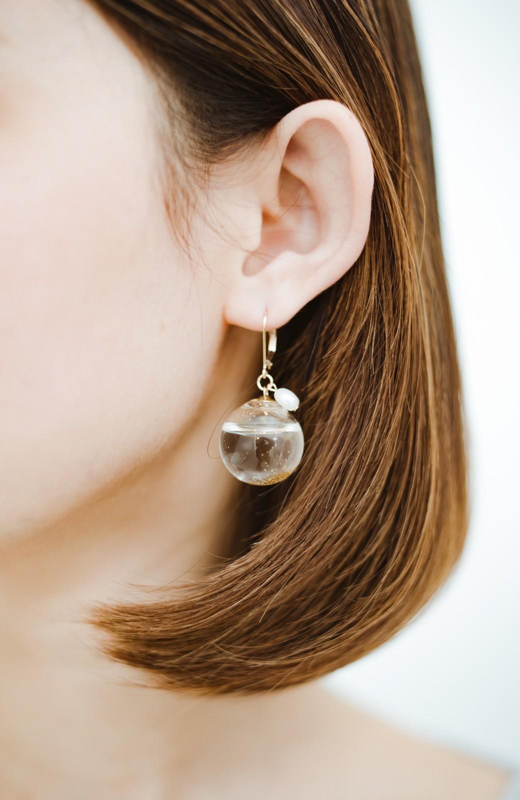 haco! てとひとて KANA MATSUNAMI チャリティー企画 Glass dome  French hookピアス <ゴールド>の商品写真2