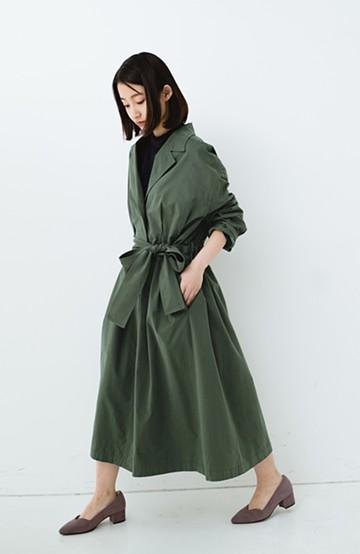 haco! パッと羽織ってかっこよく、きゅっと絞って女っぽい ウエストリボンロングコート <カーキ>の商品写真