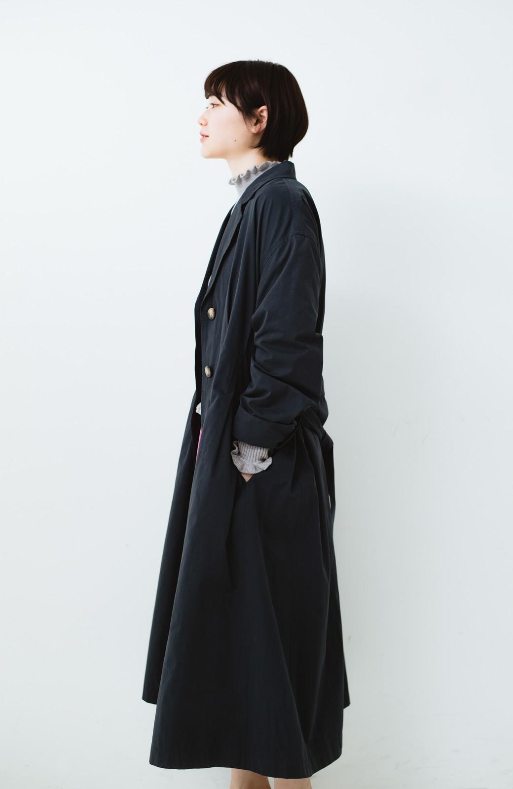 haco! パッと羽織ってかっこよく、きゅっと絞って女っぽい ウエストリボンロングコート <ダークネイビー>の商品写真17