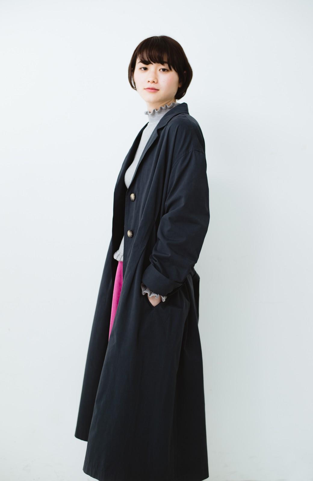 haco! パッと羽織ってかっこよく、きゅっと絞って女っぽい ウエストリボンロングコート <ダークネイビー>の商品写真18