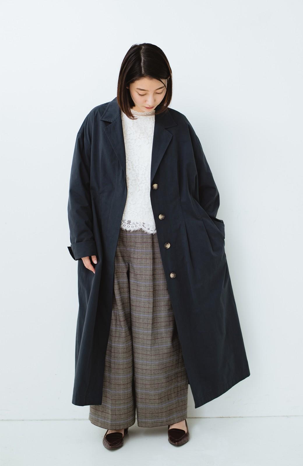 haco! パッと羽織ってかっこよく、きゅっと絞って女っぽい ウエストリボンロングコート <ダークネイビー>の商品写真9
