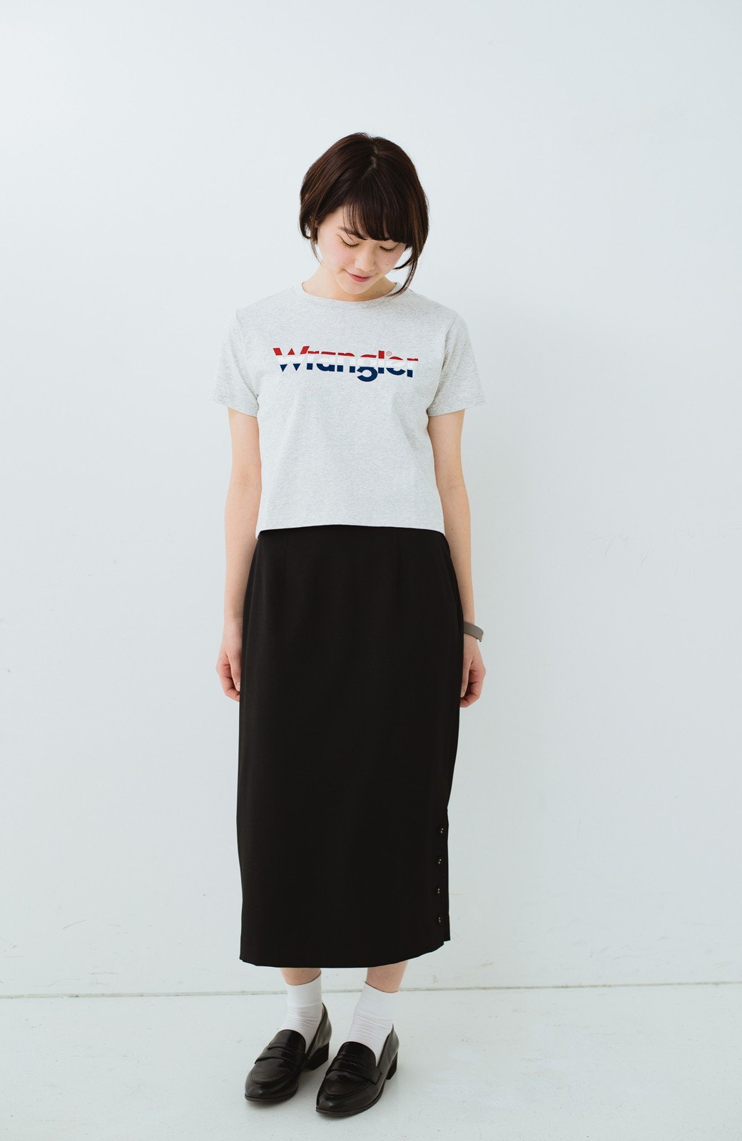 haco! Wrangler ロゴがかわいいクロップドTシャツ <グレー>の商品写真4