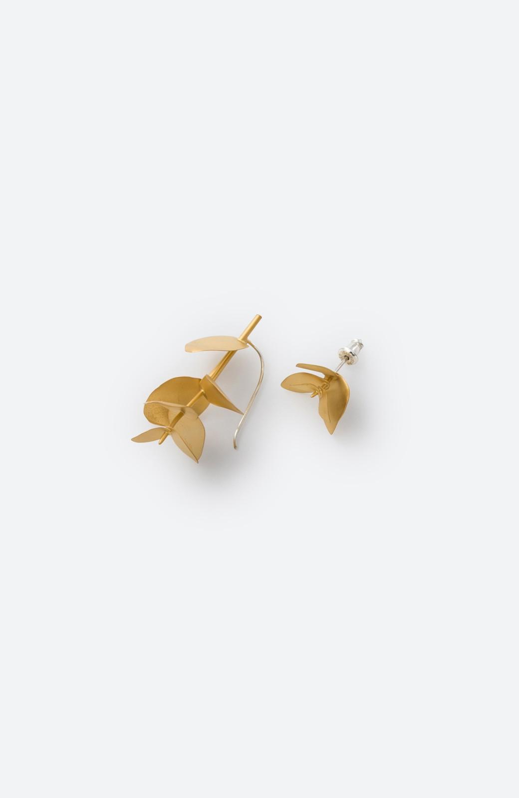 haco! てとひとて KANOE ユーカリ アシンメトリーピアス <ゴールド>の商品写真1