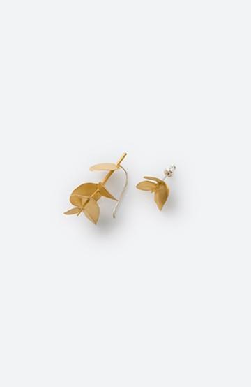 haco! てとひとて KANOE ユーカリ アシンメトリーピアス<ゴールド>の商品写真