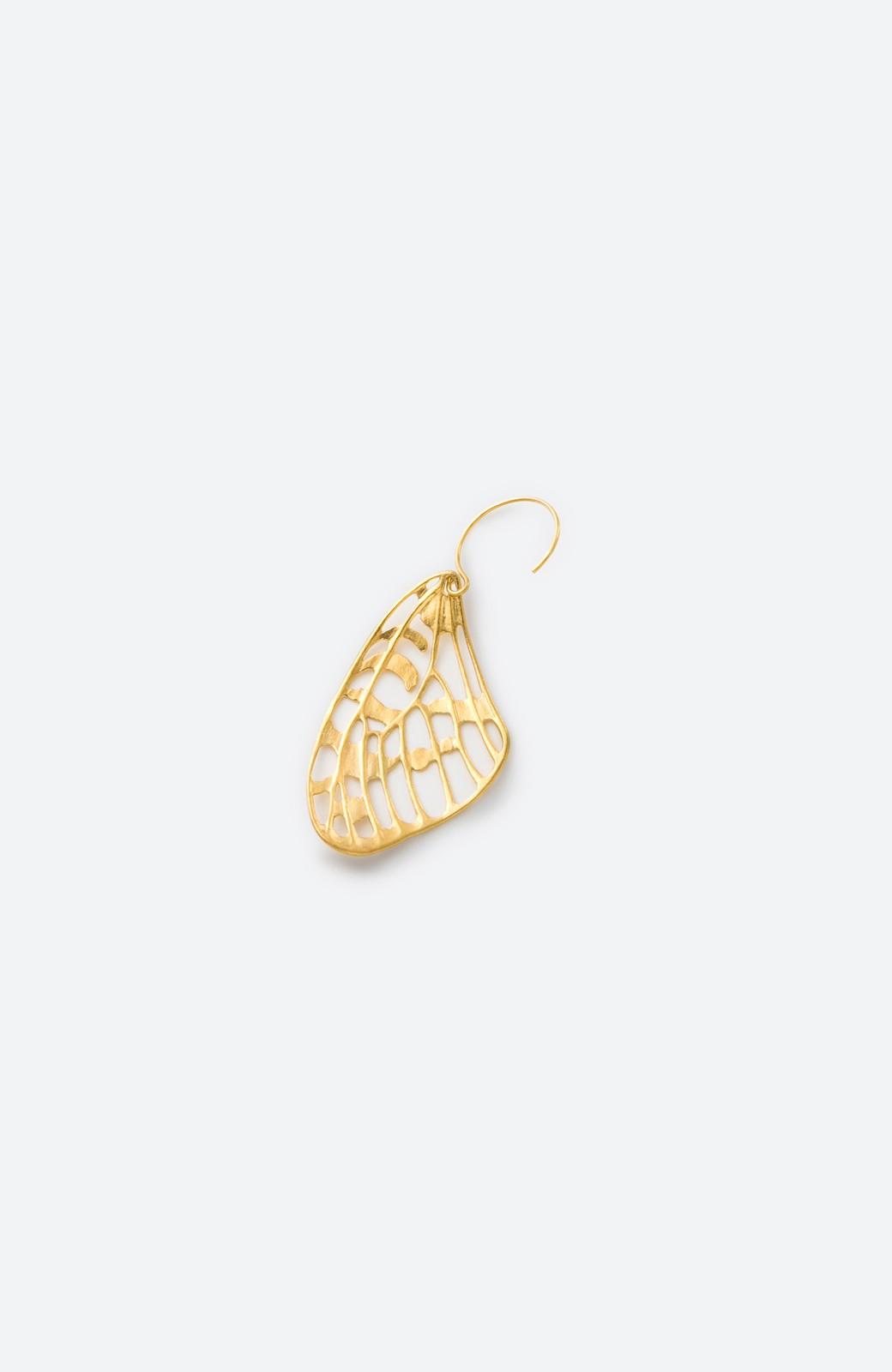 haco! てとひとて MARZO DERICATE AIR ゴールドピアス(蝶の羽)  <ゴールド>の商品写真4