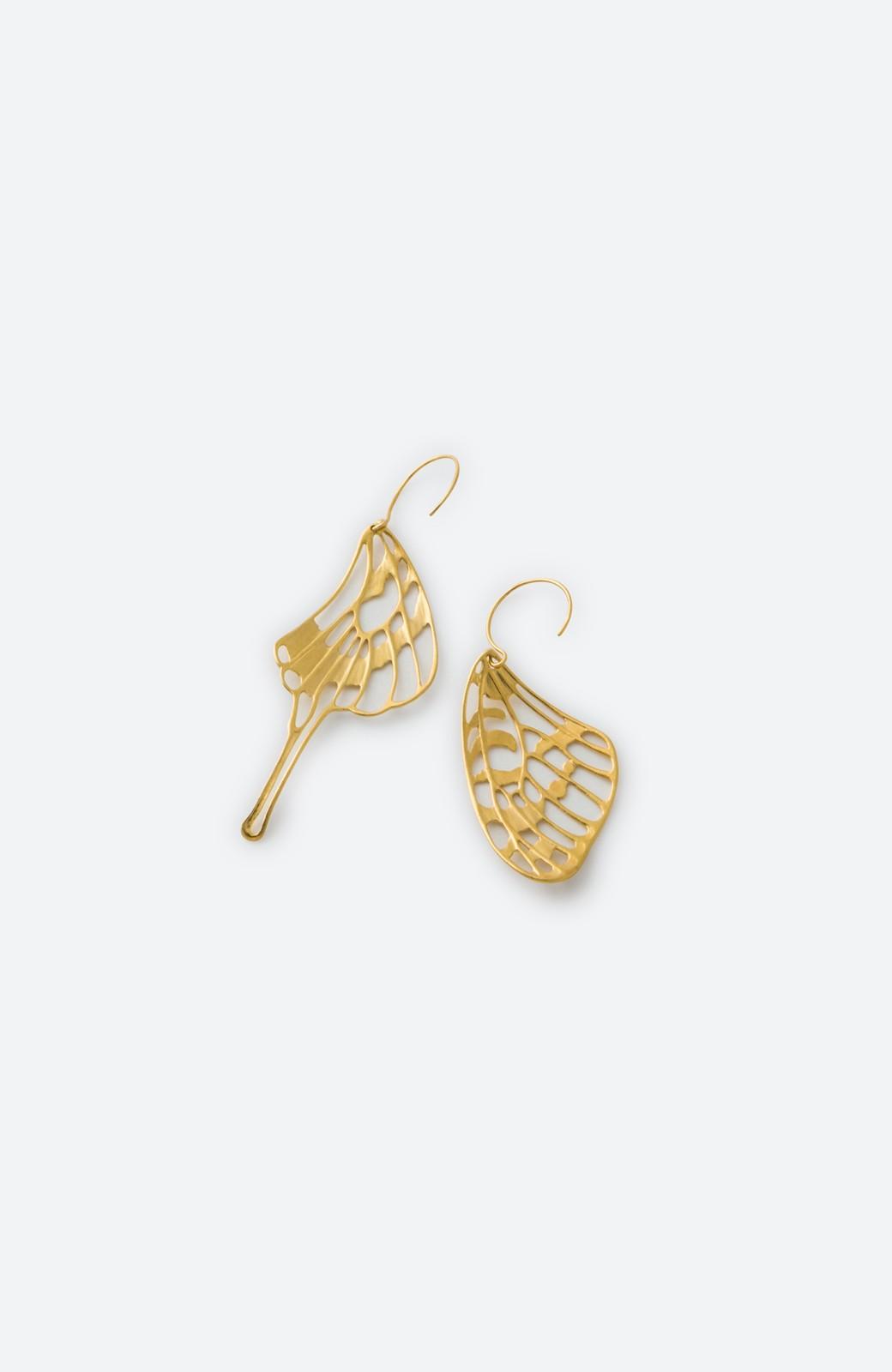haco! てとひとて MARZO DERICATE AIR ゴールドピアス(蝶の羽)  <ゴールド>の商品写真3
