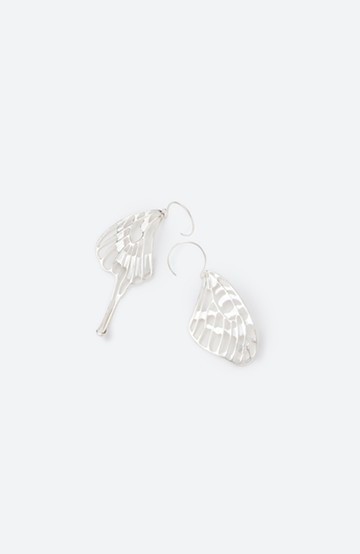 haco! てとひとて MARZO DERICATE AIR シルバーピアス(蝶の羽) <シルバー>の商品写真
