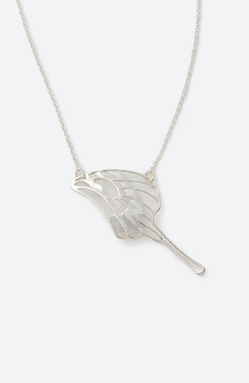 haco! てとひとて MARZO DERICATE AIR 蝶の羽シルバーネックレス <シルバー>の商品写真