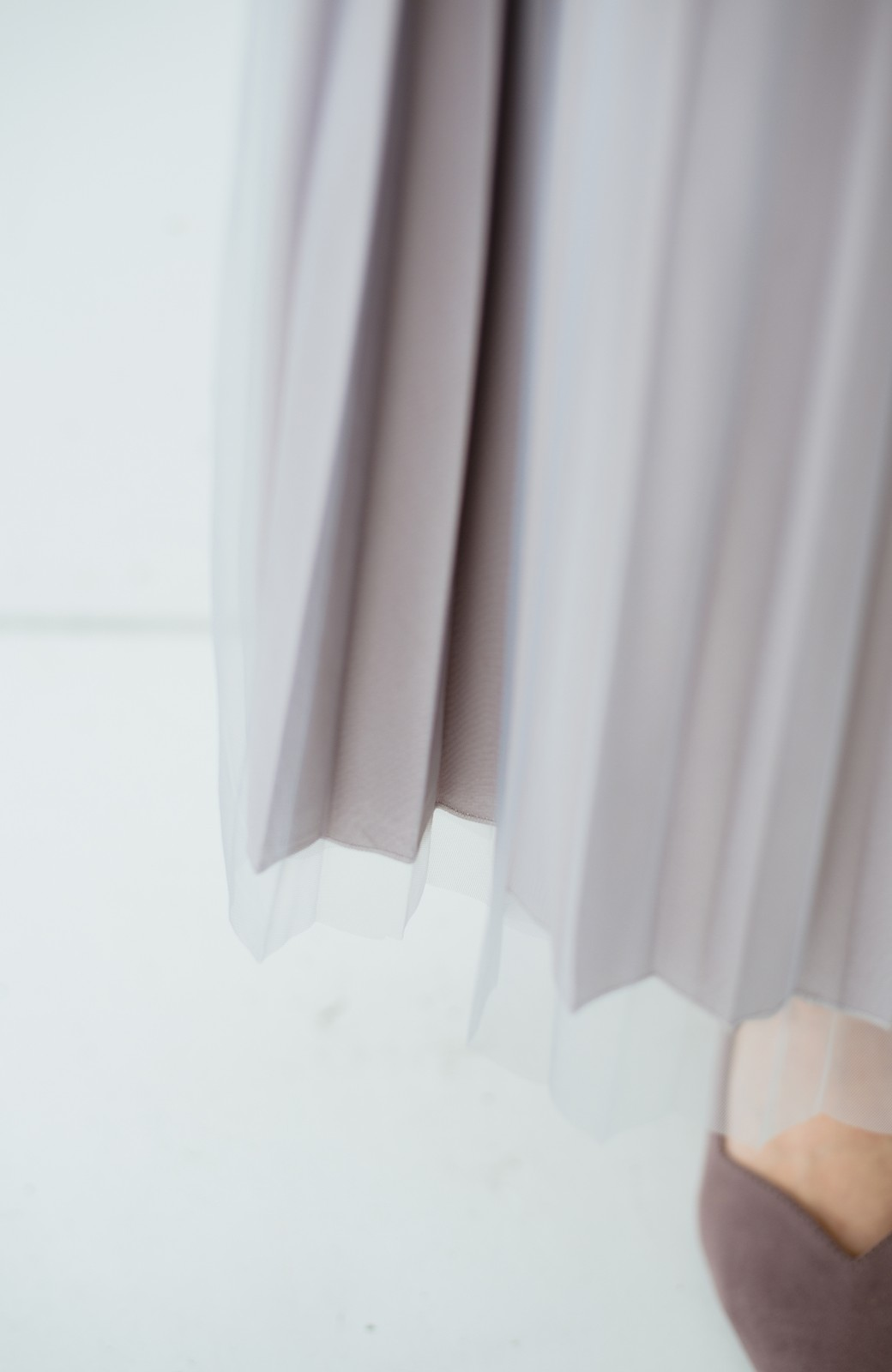 haco! どんな日も華やか気分にしてくれる 二枚仕立てのチュールプリーツスカート <ライトグレー>の商品写真3