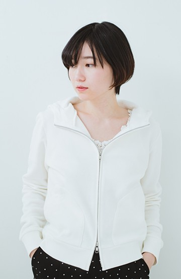 haco! made in Japan 重ね着にも便利な年中使える美シルエットパーカー <オフホワイト>の商品写真