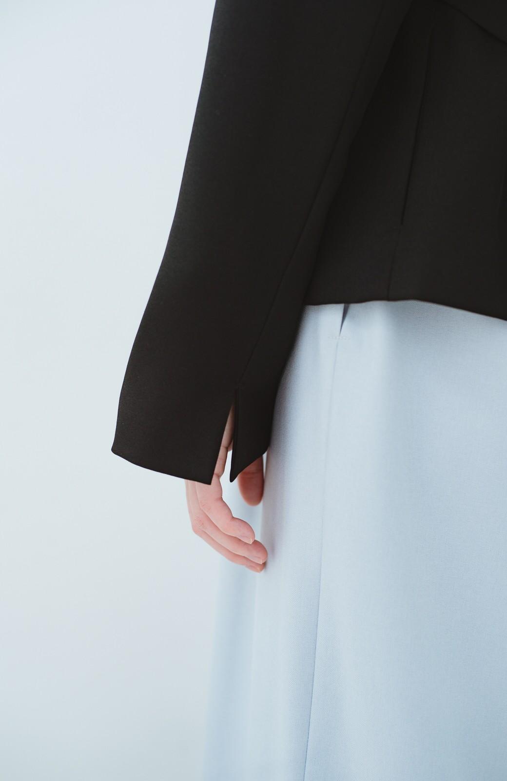 haco! 持っていると便利な 野暮ったくならないウエストベルト付きフォーマルジャケット <ブラック>の商品写真4