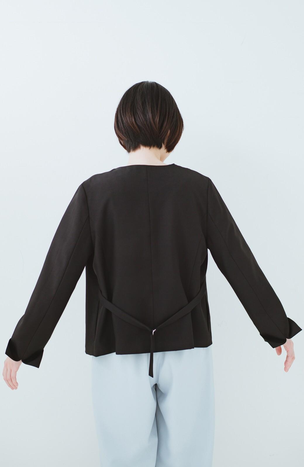 haco! 持っていると便利な 野暮ったくならないウエストベルト付きフォーマルジャケット <ブラック>の商品写真21