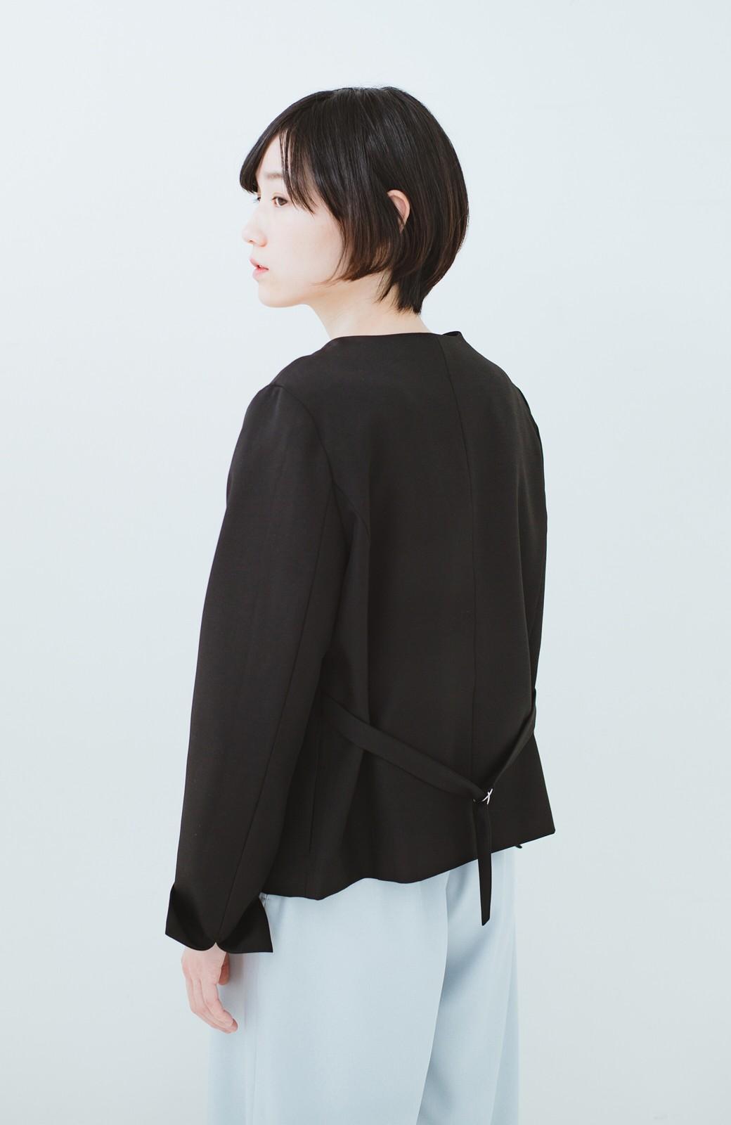 haco! 持っていると便利な 野暮ったくならないウエストベルト付きフォーマルジャケット <ブラック>の商品写真19
