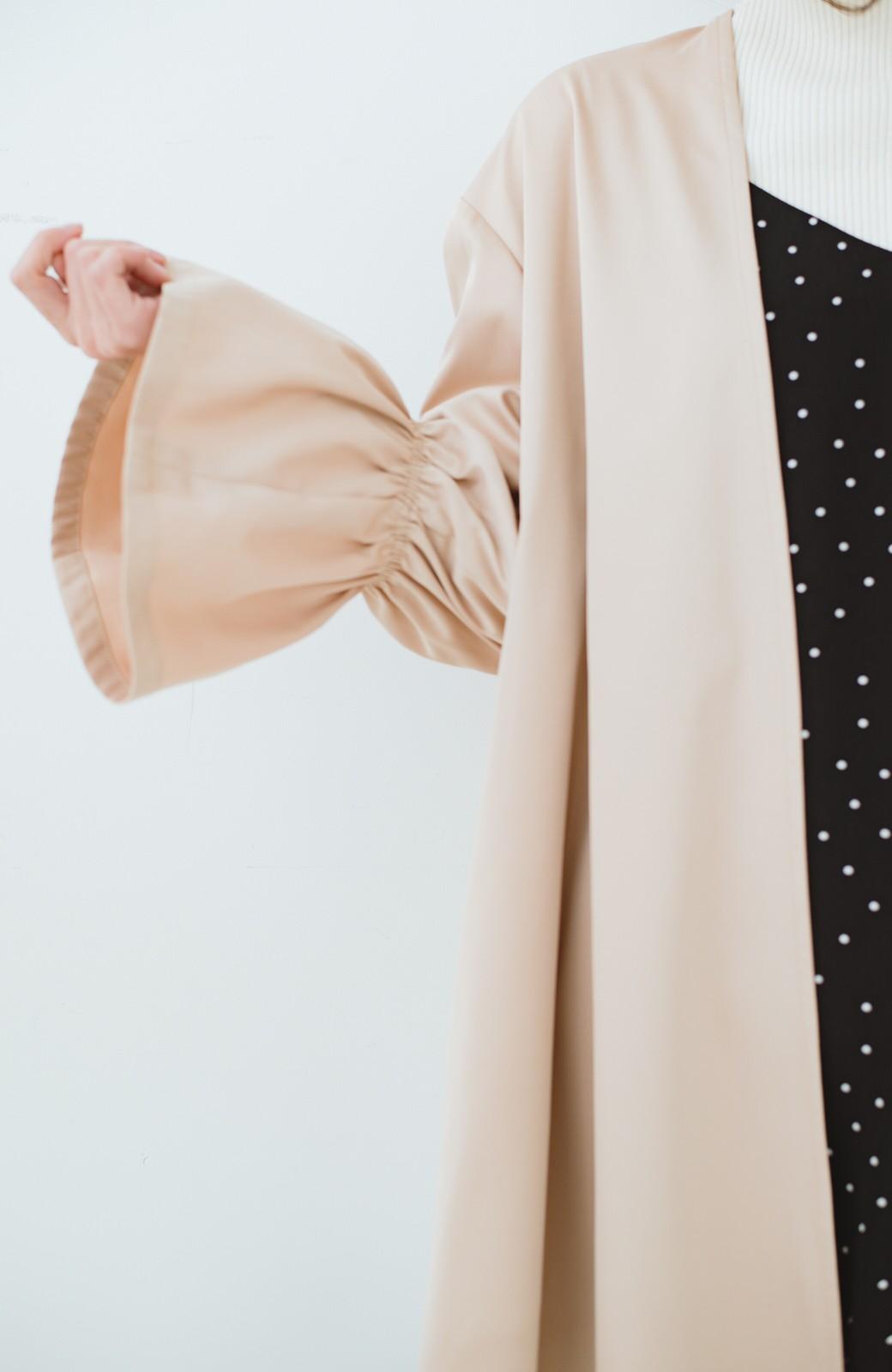 haco! ただ羽織るだけでオシャレに見える 気軽なフレアースリーブコート <ベージュ>の商品写真3