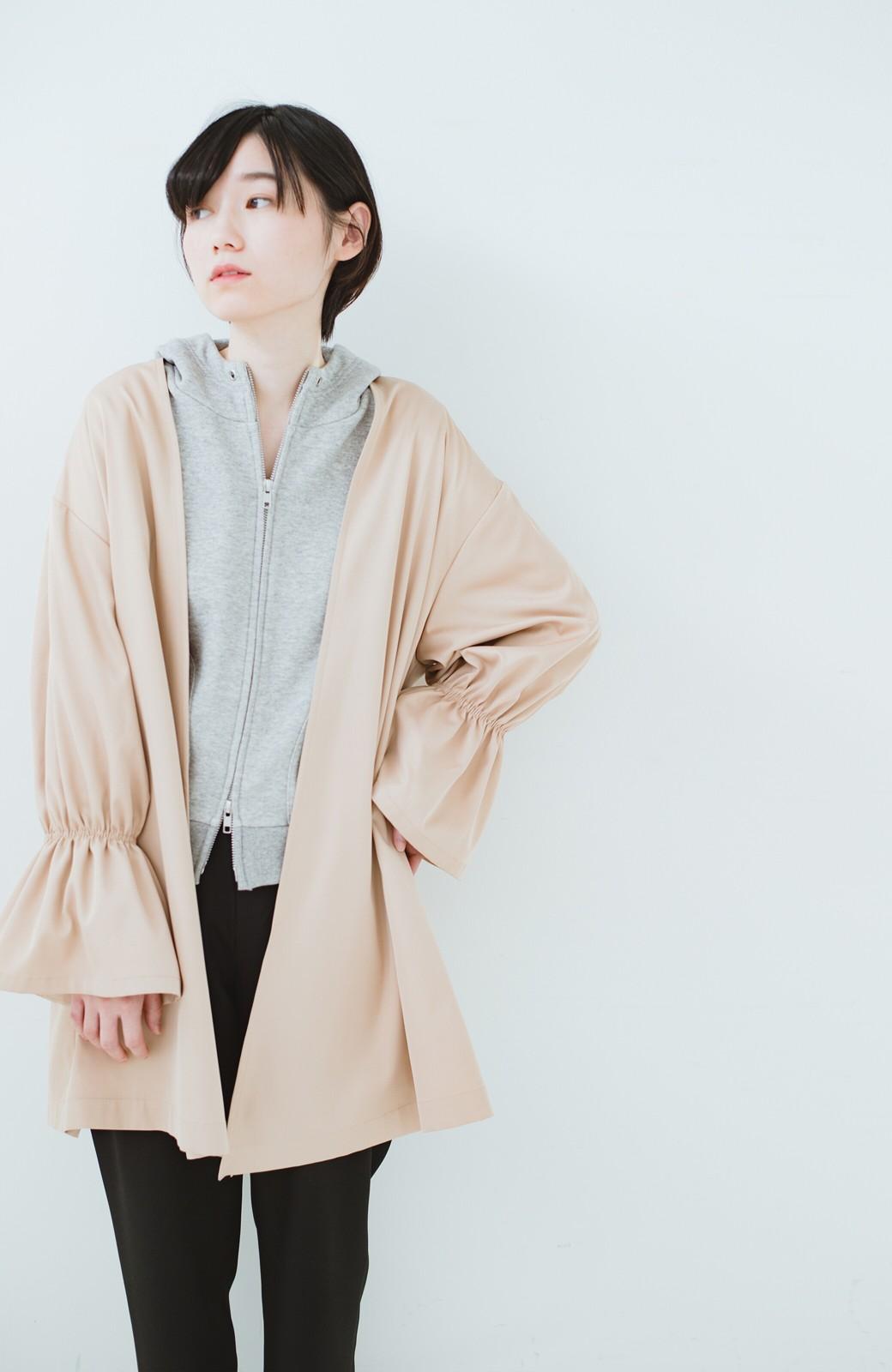 haco! ただ羽織るだけでオシャレに見える 気軽なフレアースリーブコート <ベージュ>の商品写真18