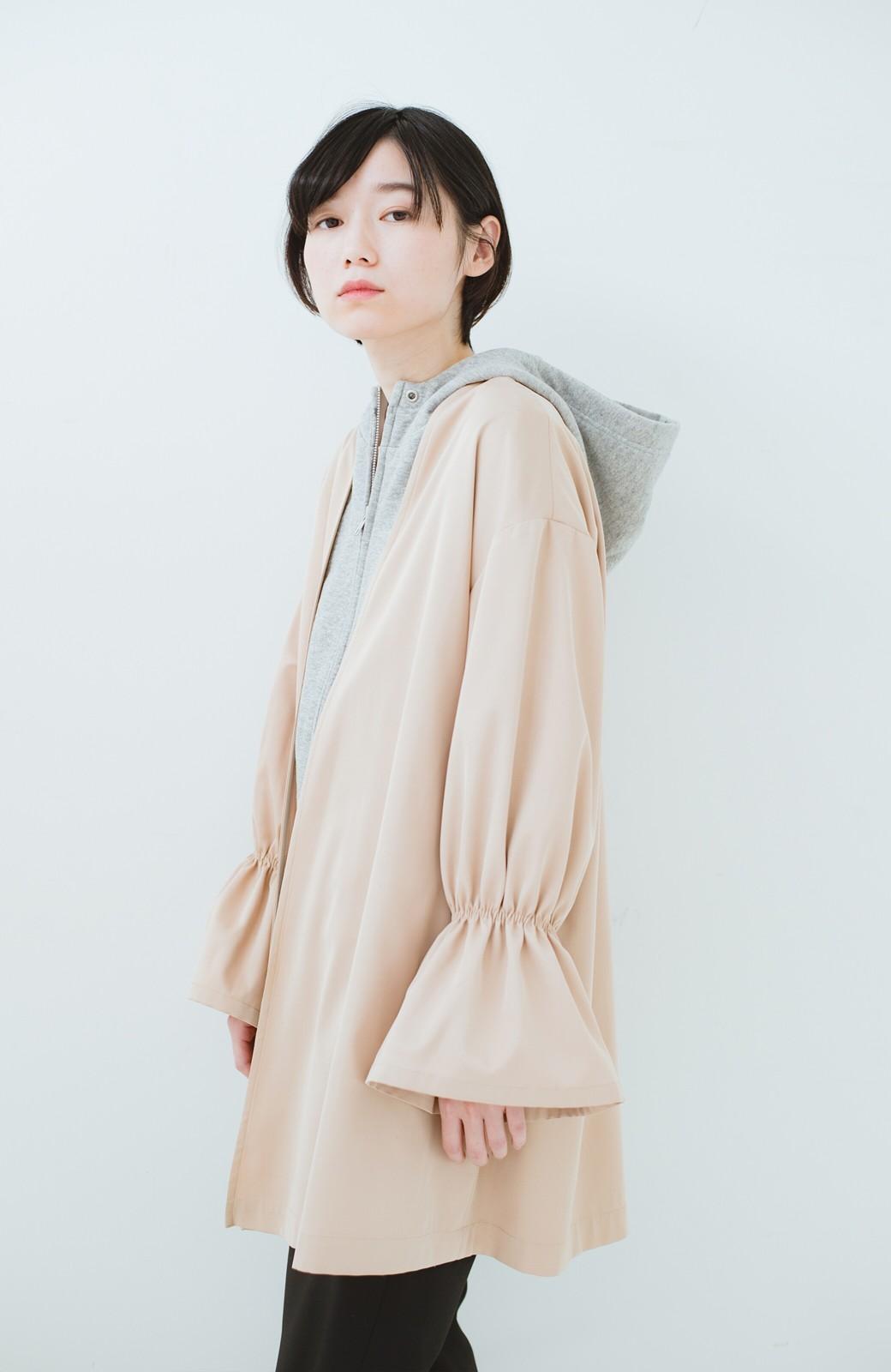 haco! ただ羽織るだけでオシャレに見える 気軽なフレアースリーブコート <ベージュ>の商品写真19