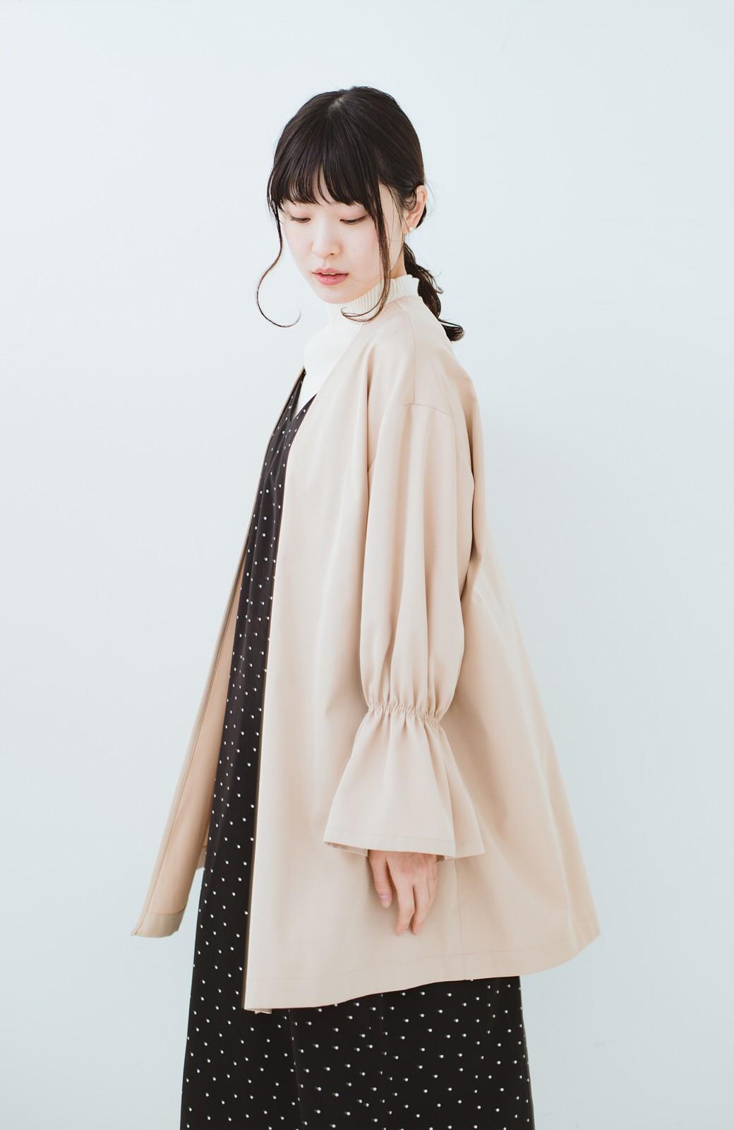 haco! ただ羽織るだけでオシャレに見える 気軽なフレアースリーブコート <ベージュ>の商品写真10