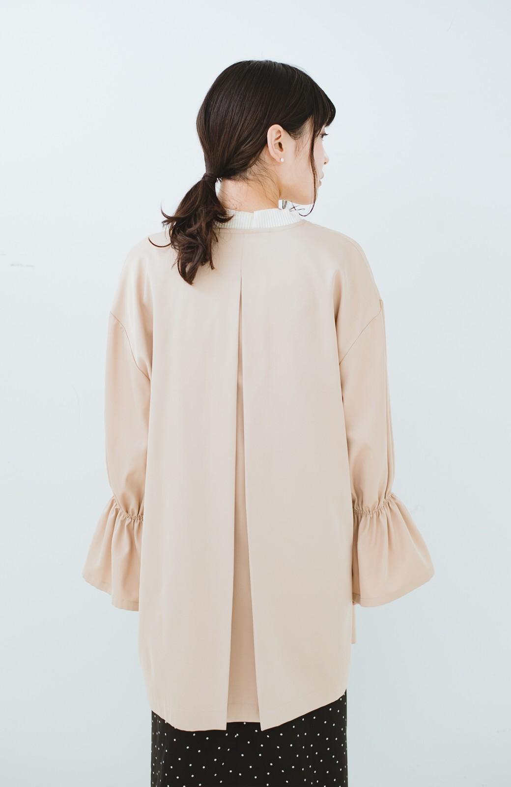 haco! ただ羽織るだけでオシャレに見える 気軽なフレアースリーブコート <ベージュ>の商品写真14
