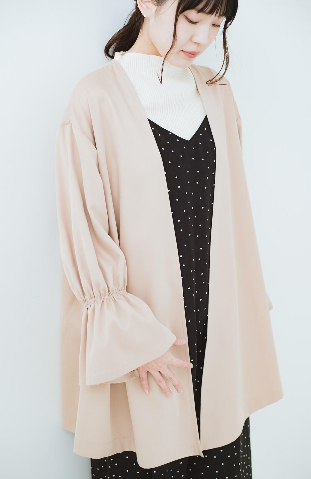 haco! ただ羽織るだけでオシャレに見える 気軽なフレアースリーブコート <ベージュ>の商品写真15