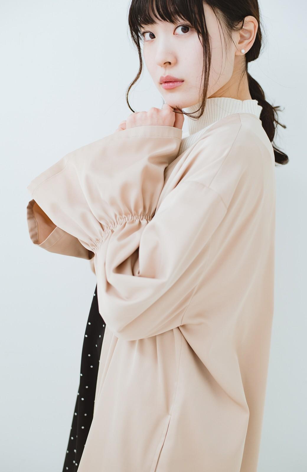 haco! ただ羽織るだけでオシャレに見える 気軽なフレアースリーブコート <ベージュ>の商品写真16