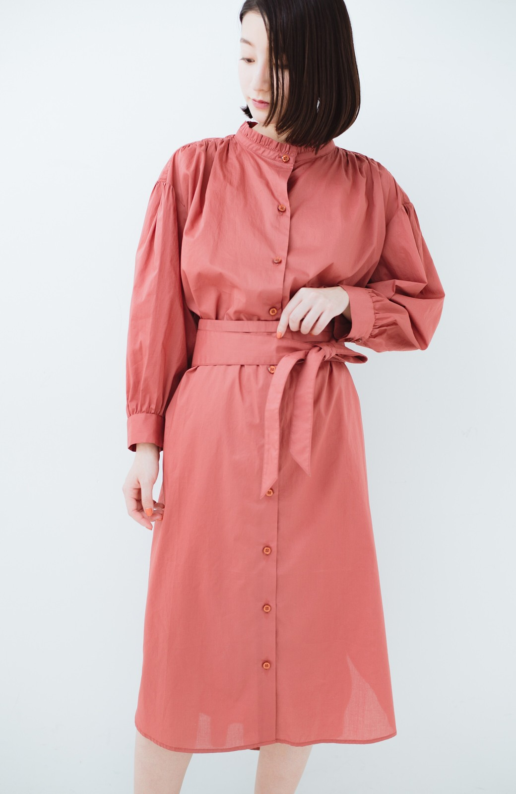 haco! 羽織りにもなって着回しのきくサッシュベルト付きシャツワンピース <ピンク>の商品写真2