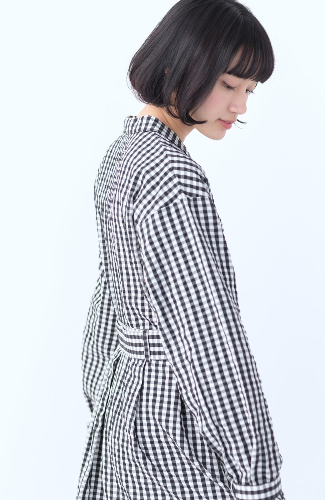 haco! いつものコーデに華やぎを添える ワンピースとしても着られるギンガムライトアウター <ブラック>の商品写真19