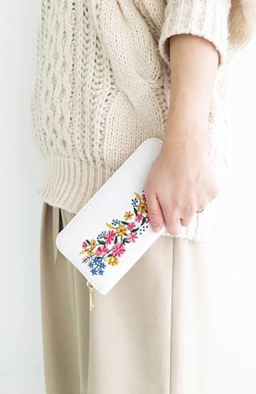 haco! polka polka レトロフラワー刺繍長財布 <ホワイト>の商品写真