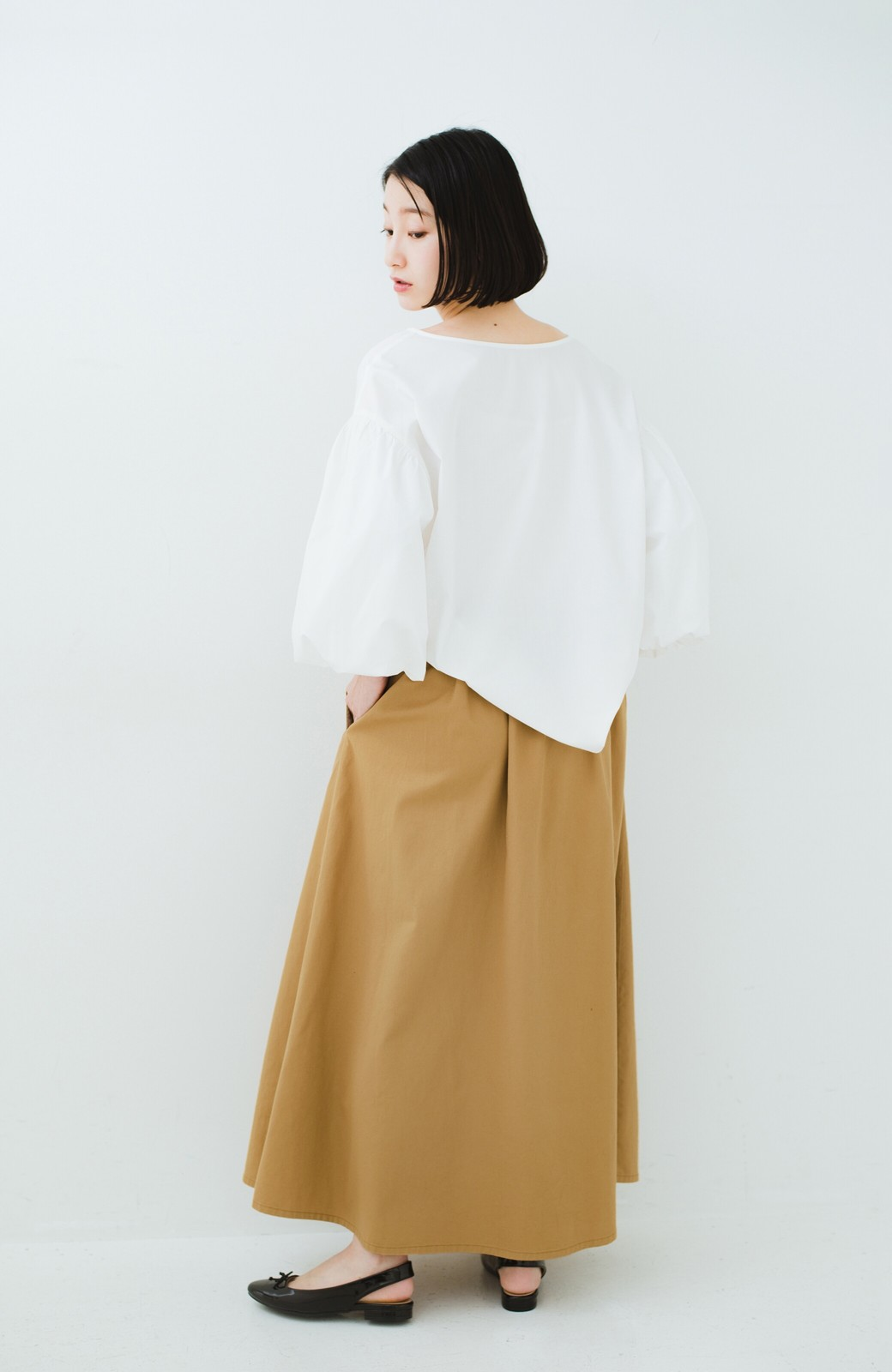 haco! ロングシーズン楽しめる タックボリュームのチノロングスカート <ベージュ>の商品写真12