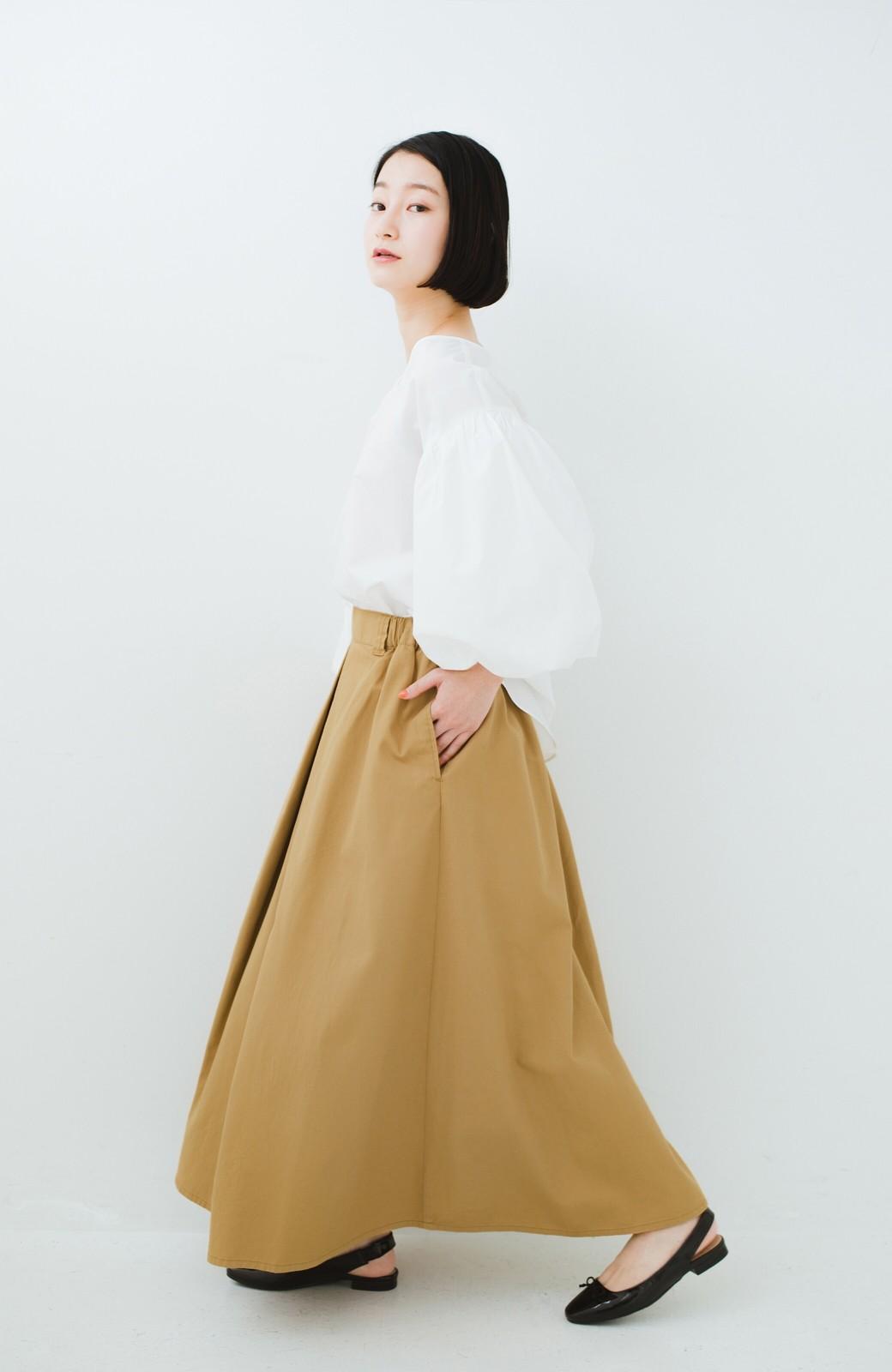 haco! ロングシーズン楽しめる タックボリュームのチノロングスカート <ベージュ>の商品写真9