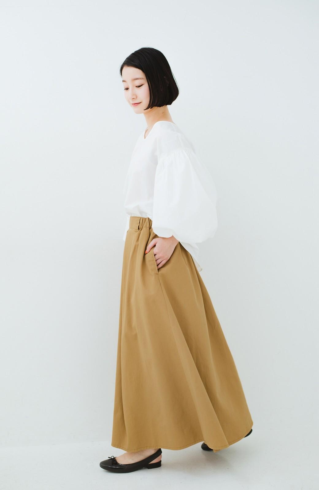 haco! ロングシーズン楽しめる タックボリュームのチノロングスカート <ベージュ>の商品写真10
