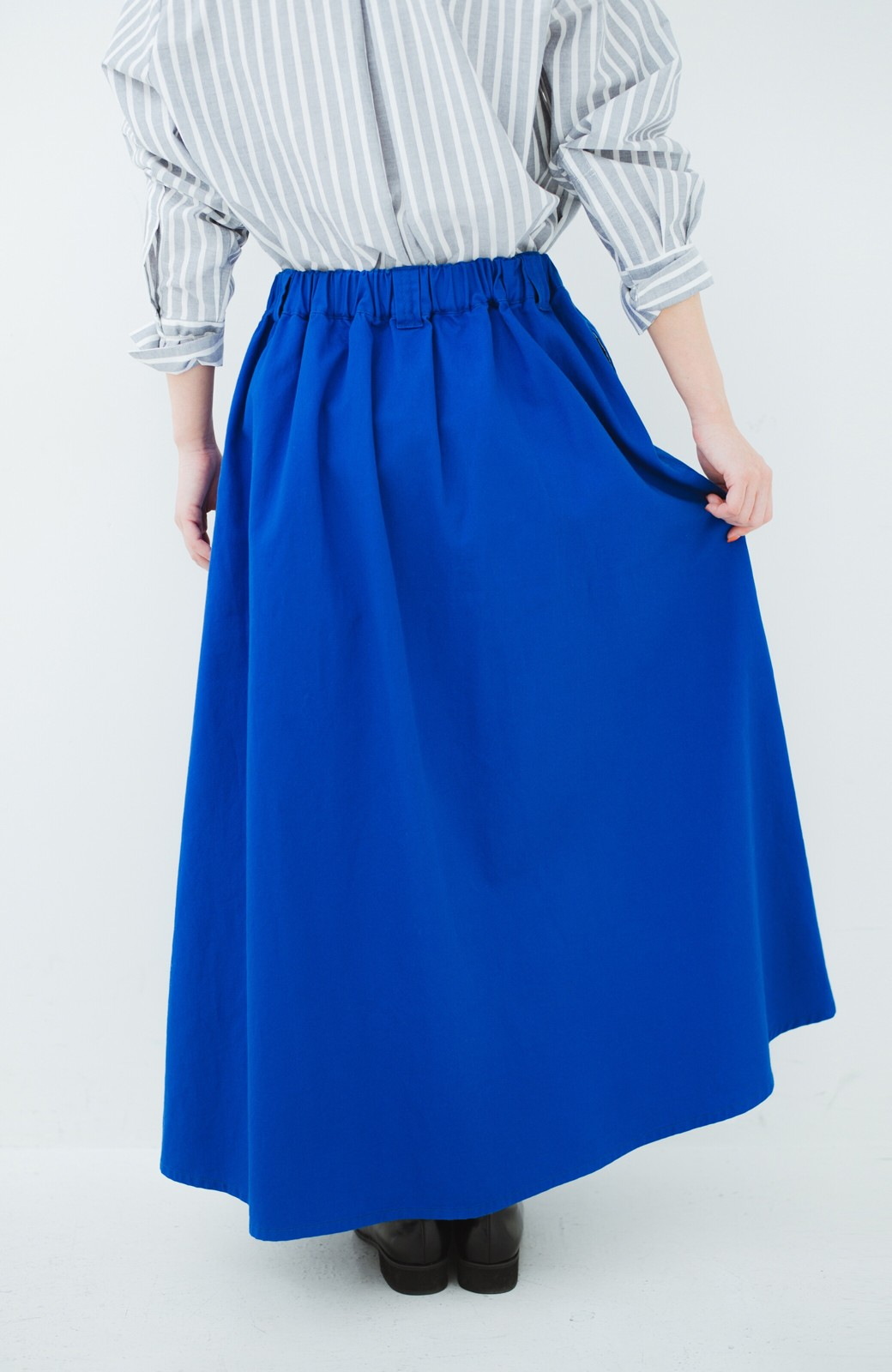haco! 【今年も再販!】ロングシーズン楽しめる タックボリュームのチノロングスカート <ブルー>の商品写真6