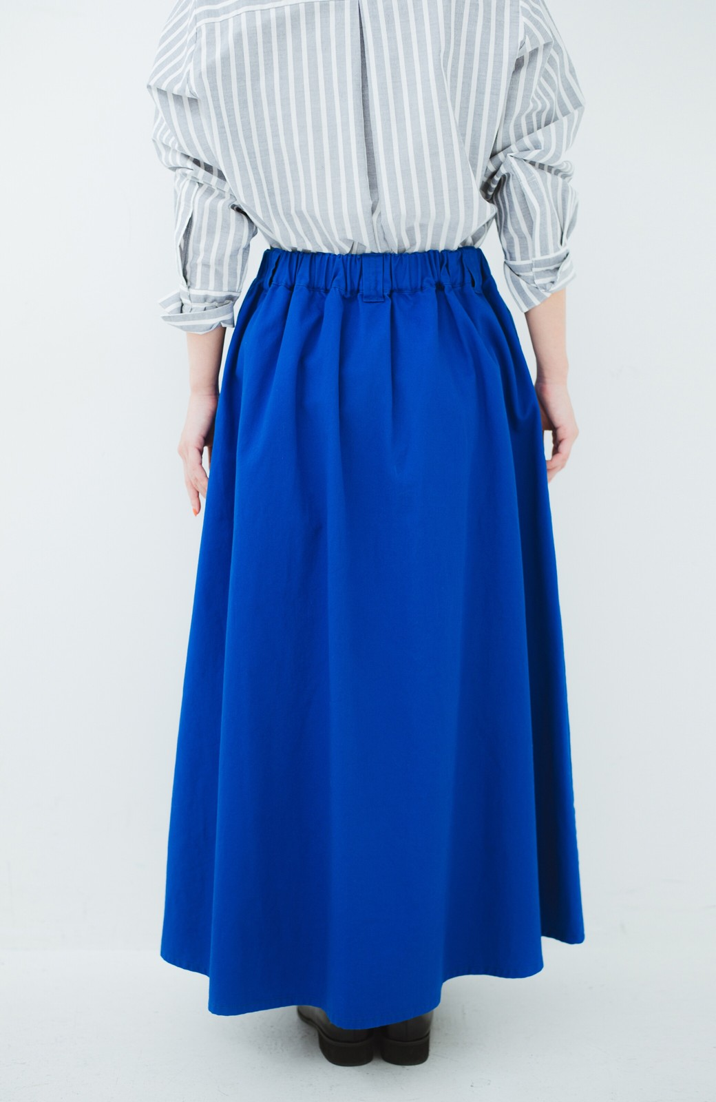 haco! 【今年も再販!】ロングシーズン楽しめる タックボリュームのチノロングスカート <ブルー>の商品写真7