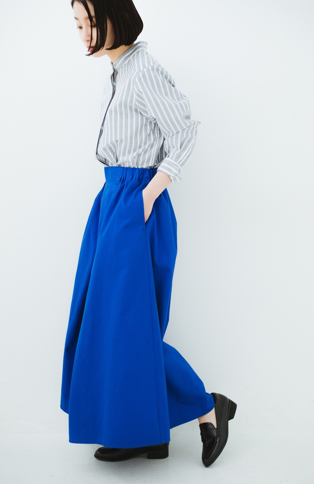 haco! 【今年も再販!】ロングシーズン楽しめる タックボリュームのチノロングスカート <ブルー>の商品写真19