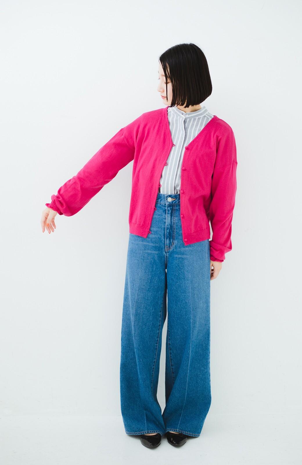 haco! 我らが天敵紫外線!UVカット加工の袖シャーリングニットカーディガン <ピンク>の商品写真6