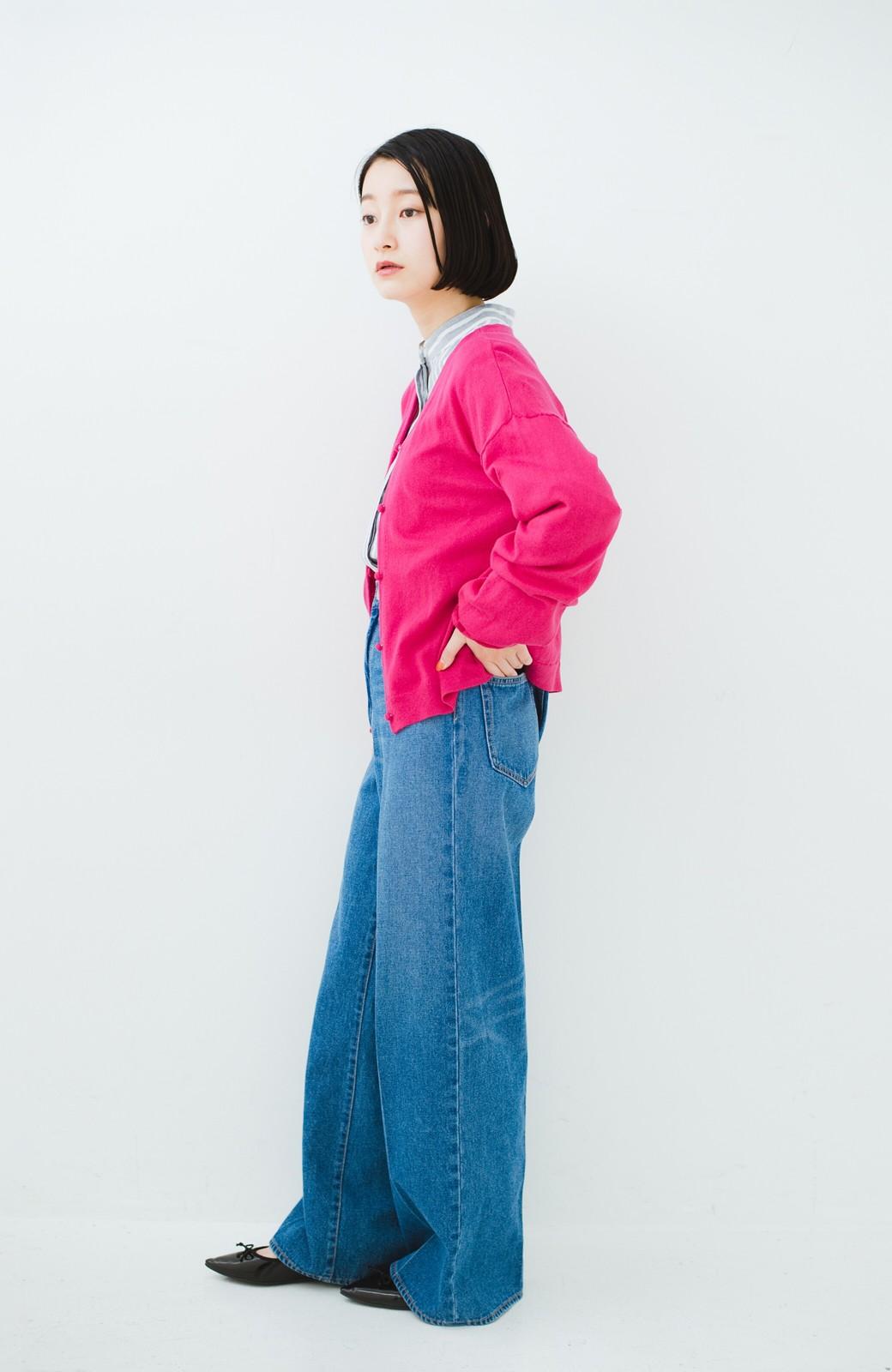 haco! 我らが天敵紫外線!UVカット加工の袖シャーリングニットカーディガン <ピンク>の商品写真9