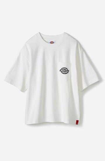 haco! Dickies 別注 ゆったり着られてちょうどいい ロゴプリントポケットTシャツ <ホワイト>の商品写真