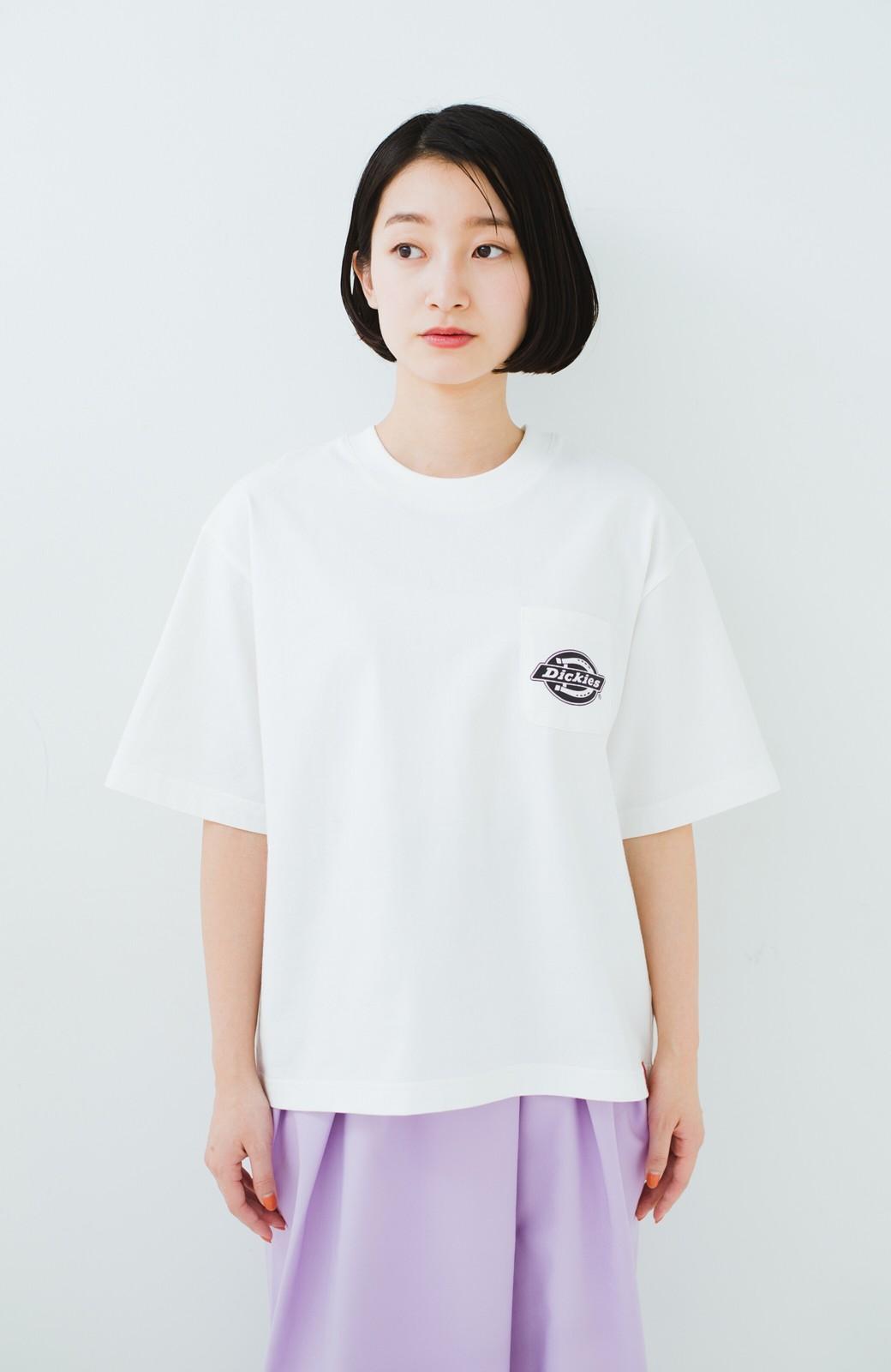 haco! Dickies 別注 ゆったり着られてちょうどいい ロゴプリントポケットTシャツ <ホワイト>の商品写真5